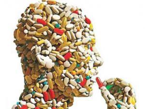 خوددرمانی,مصرف نادرست دارو,آنتی بیویتک,دانشگاه علوم پزشکی همدان,معاونت غذا و دارو,shabnamha.ir,شبنم همدان,afkl ih,شبنم ها